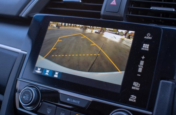 features of backup cameras