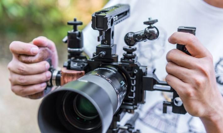 Mirrorless Camera to Make Movies